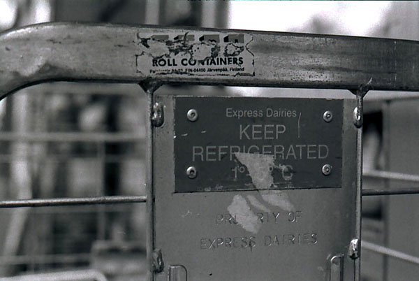 keep -- pentax mx - iflord hp5 plus - 50mm - ISO 400