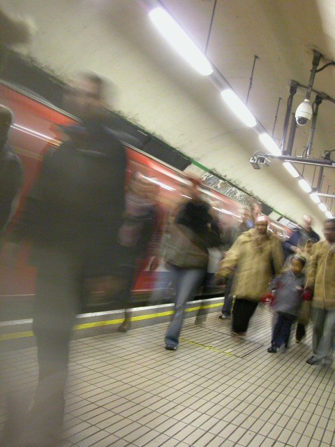minions || nikon coolpix 5700 | oxford circus station (i think) | forgotten the aperture and shutter speed